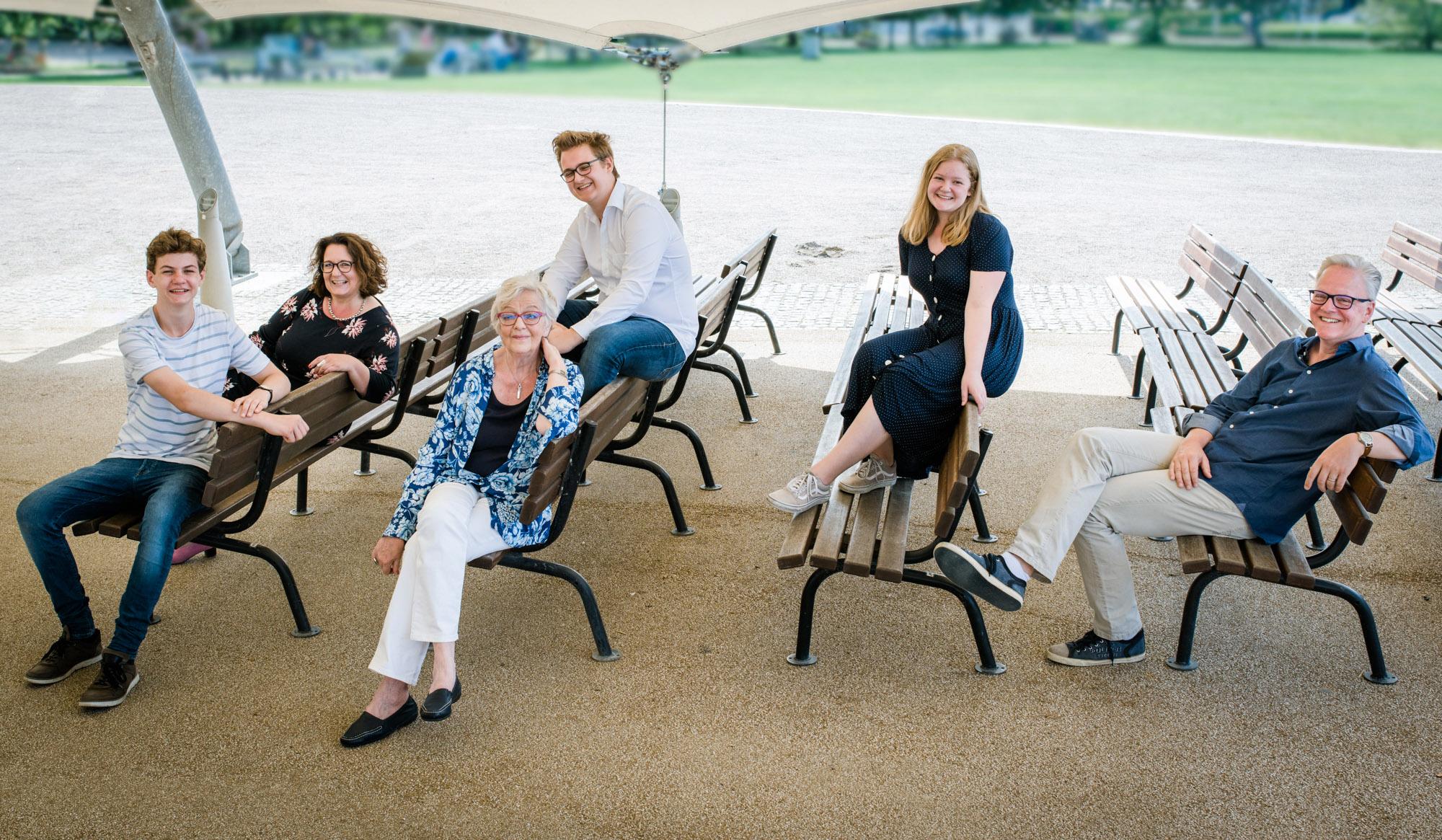 Familienshooting-Travemuende-Familienfotos-Bruegmanngarten