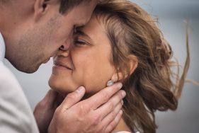 Filitz-Fotografie Hochzeit Travemuende Priwall Paar gluecklich verliebt Nahaufnahme